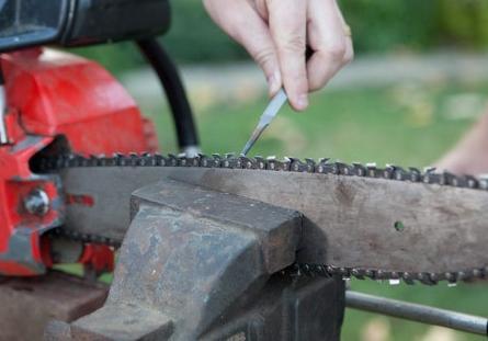 Как правильно точить цепь бензопилы своими руками