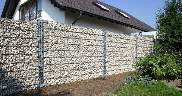 Как сделать забор на даче недорого