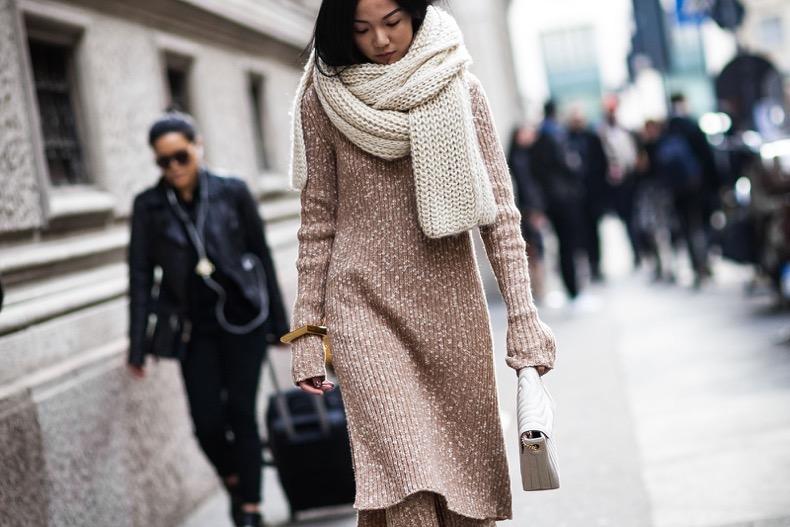 Как и с чем носить теплые платья