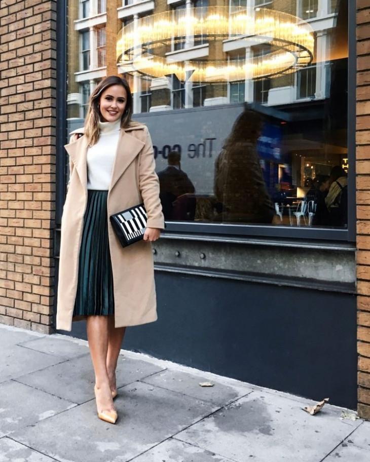 Как носить юбку-плиссе с пальто
