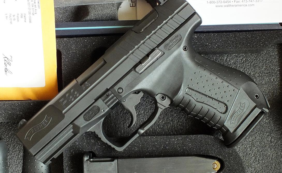 Walther P99 Полуавтоматический пистолет из Германии пользуется большой популярностью в США. Его выпускает компания Carl Walther GmbH Sportwaffe, изначально создававшая оружие по заказу немецкой полиции. На данный момент Walther P99 стоит на вооружении польской и немецкой полиции, а также активно эксплуатируется офицерами финской армии.