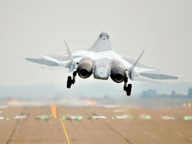 СМИ сообщили об уничтожении российскими Су-57 американской ЧВК в Сирии