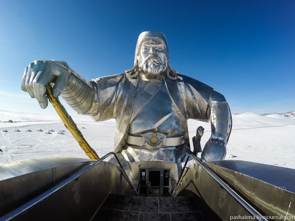 Улан-Батор: Чингисхан, монгольский рынок и сумо