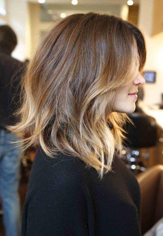 20 стильных причесок для коротких волос на все случаи