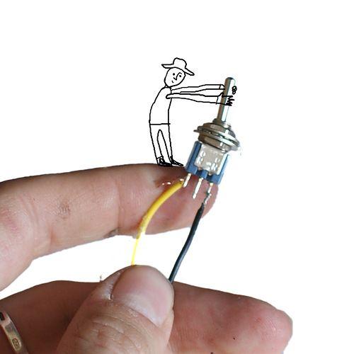 Как сделать фонарик для куклы