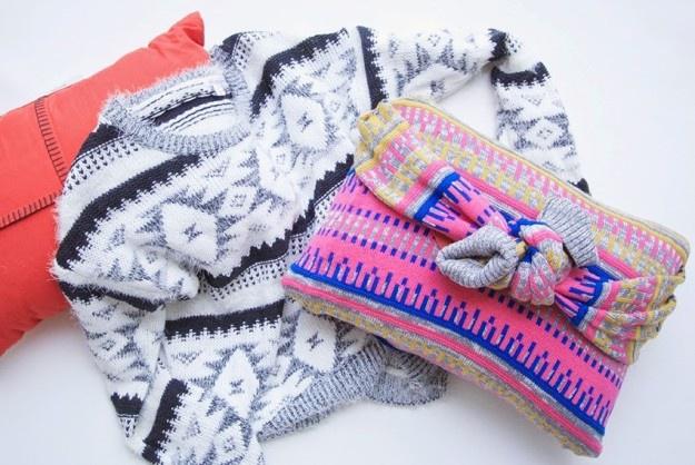 Подушка с рукавами
