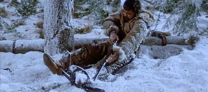 Охотник угодил головой в медвежий капкан
