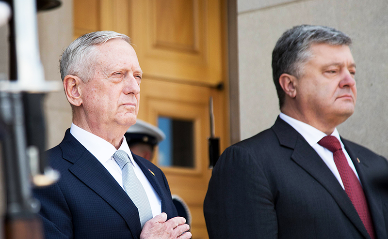 США бросают Порошенко в атаку против России