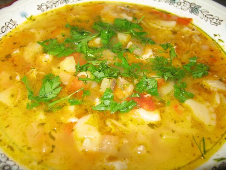 Густая похлебка из сыра и овощей с вермишелью — вкусное и сытное блюдо русской кухни
