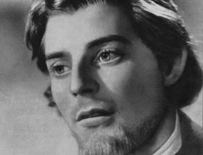 Жерар Филип в роли князя Мышкина в фильме *Идиот*, 1946   Фото: kino-teatr.ru