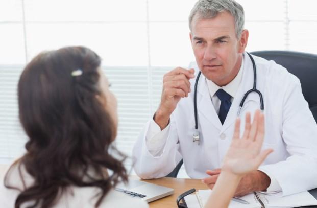 Смешная история о том как одна дама с положительным тестом доказывала гинекологу, что быть такого не может