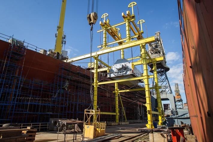 На ледокол «Сибирь» установлены три гребных электродвигателя
