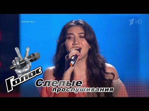 Беременная участница «Голоса» не смогла петь, когда к ней повернулись все судьи