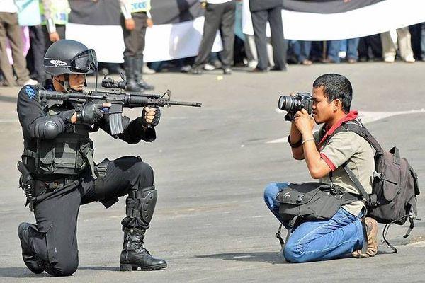 Взгляд со стороны на работу фотографов-экстремалов