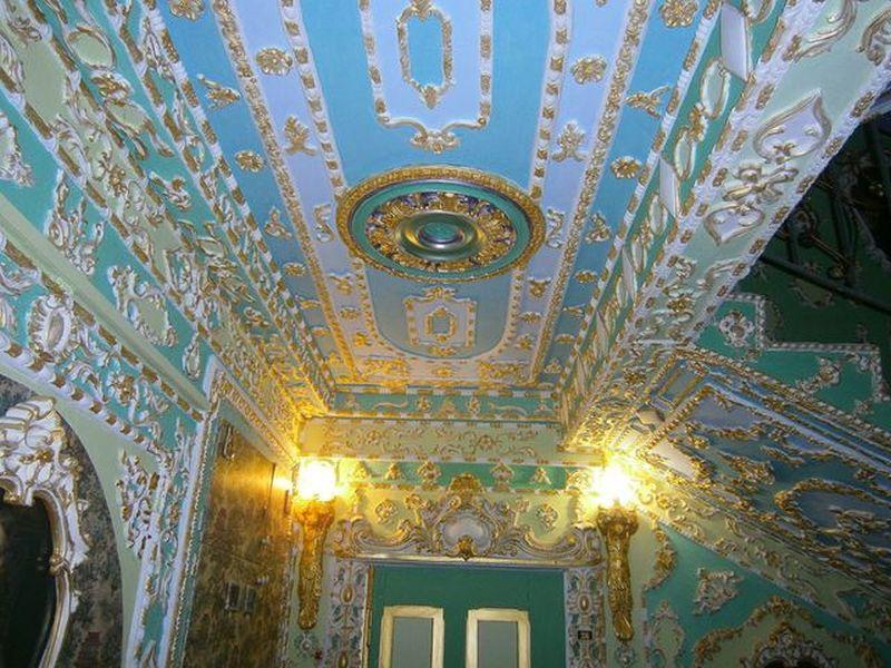 Вы этого точно не видели! Почти Версаль в Киеве!