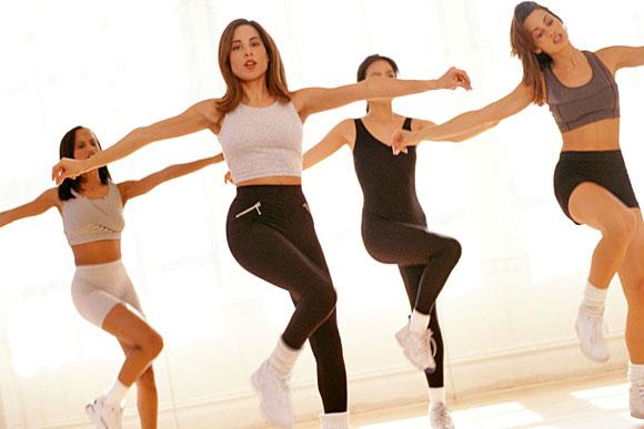 Спортивные движения в ритме танца
