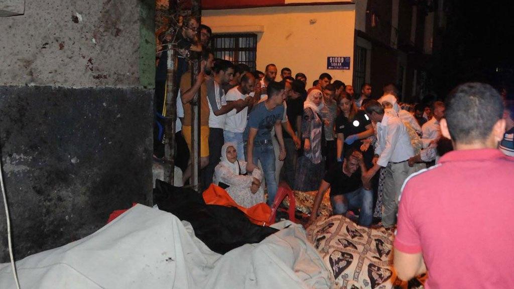 Теракт на свадьбе в Турции унес более 50 жизней