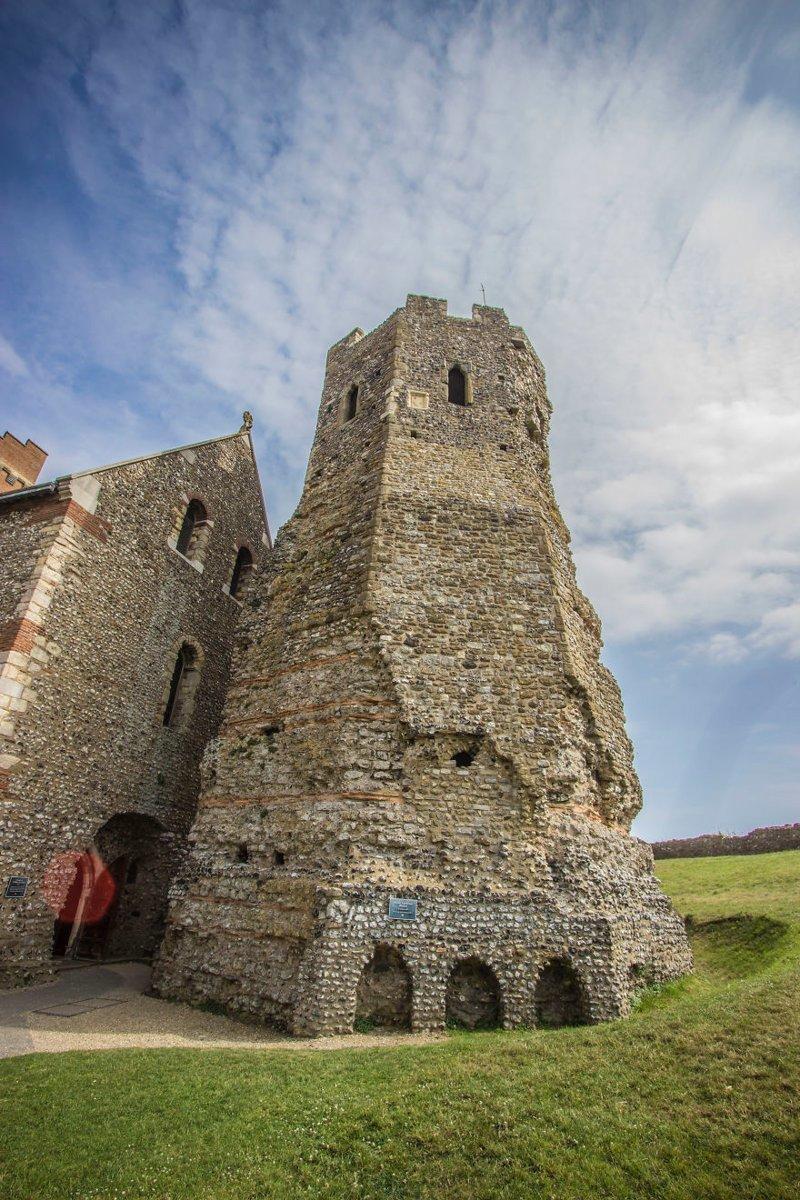 """""""Стоит упомянуть, что здесь находится самый хорошо сохранившийся в Европе римский маяк"""" Дувр, в мире, великобритания, город, жизнь, интересное, путешествия, фото"""