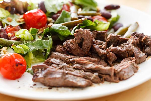 6 полезных салатов для ланча в офисе