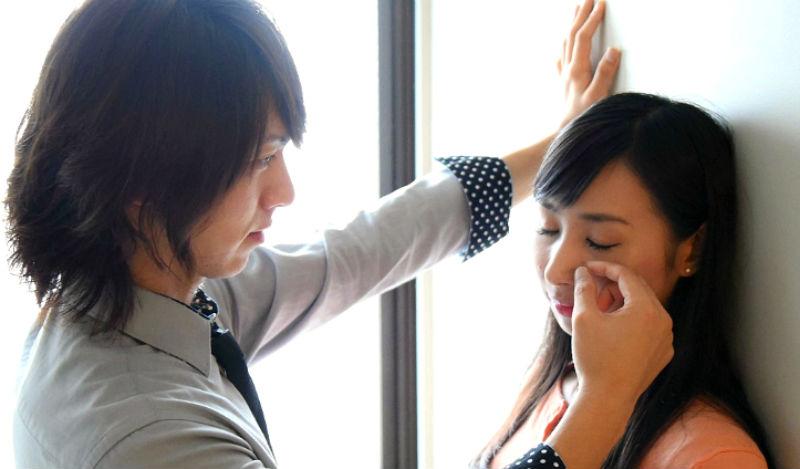 No woman no cry: японки теперь могут нанять человека, который будет вытирать им слезы на работе