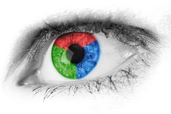 Сканер радужной оболочки глаза Galaxy S8 задействуют в банковских операциях