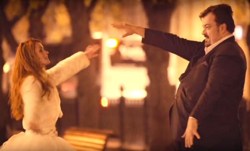 Танцующий Василий Уткин с брошенной невестой стали героями клипа «Человек-говно»