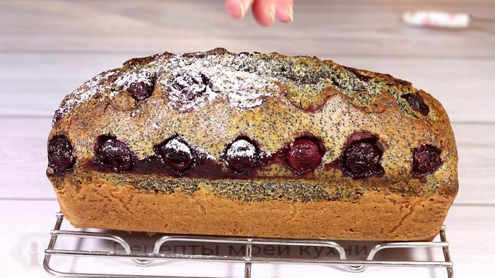 Кекс с вишней и маком Кекс, Выпечка, Видео, Длиннопост, Рецепт, Видео рецепт, Кулинария, Видеоблог