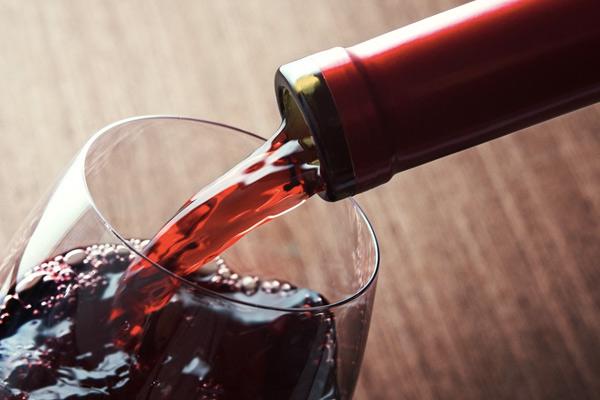 Vocktail: бокал, превращающий воду в вино