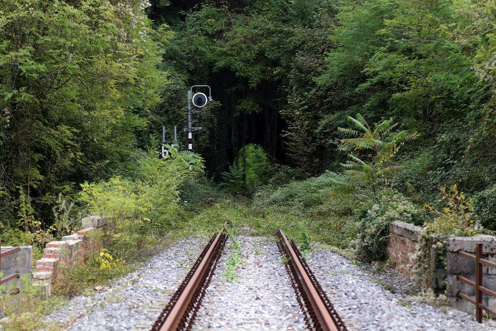 Заброшенная железная дорога в Пинцано, Италия