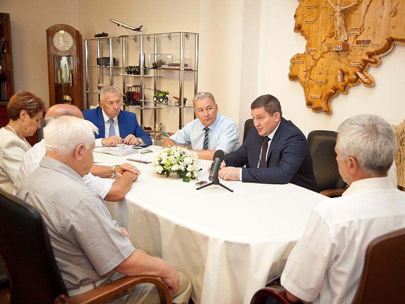 Губернатор Волгоградской области одобрил идею переименования местного аэропорта в Сталинград