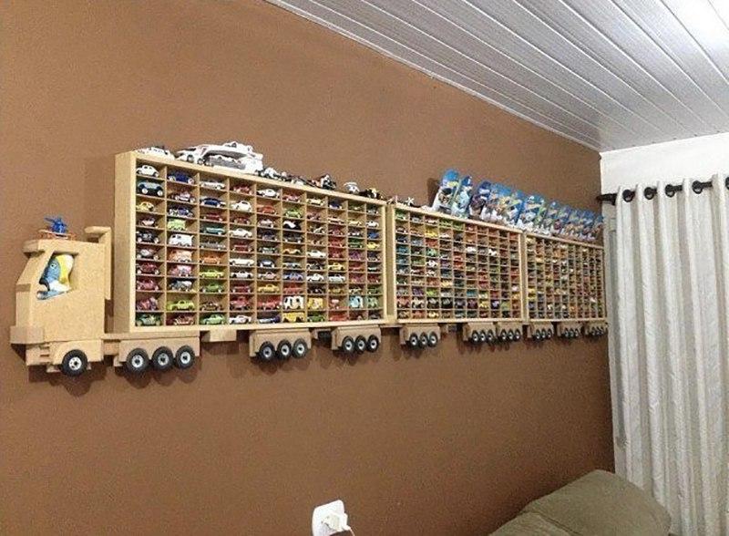 Отец сыну гараж построил