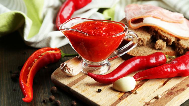 Как готовить домашнюю аджику? Обычные и необычные рецепты