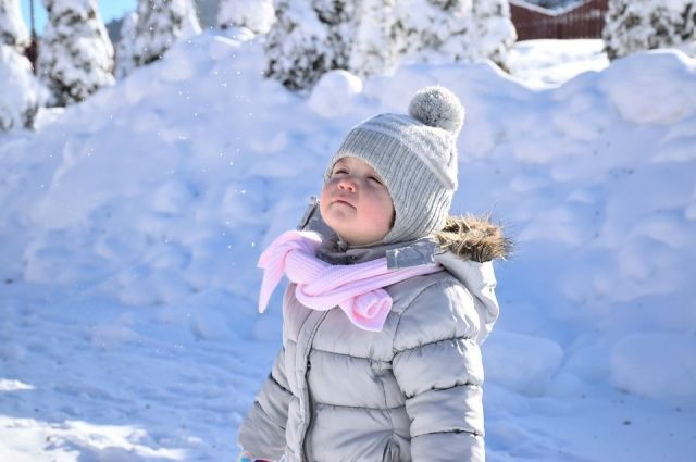 Румяные щёки. Как правильно одеть ребёнка на прогулку зимой?