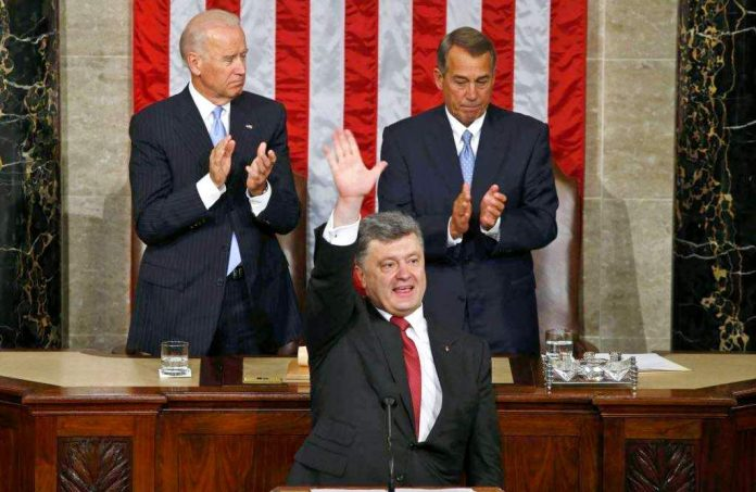 Порошенко заявил о «деколонизации» Украины