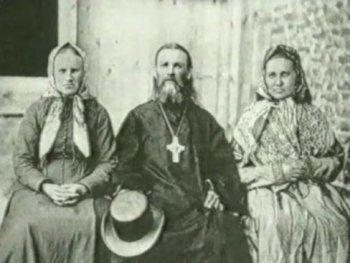 Иоанн Кронштадтский с сестрами Анной и Дарьей