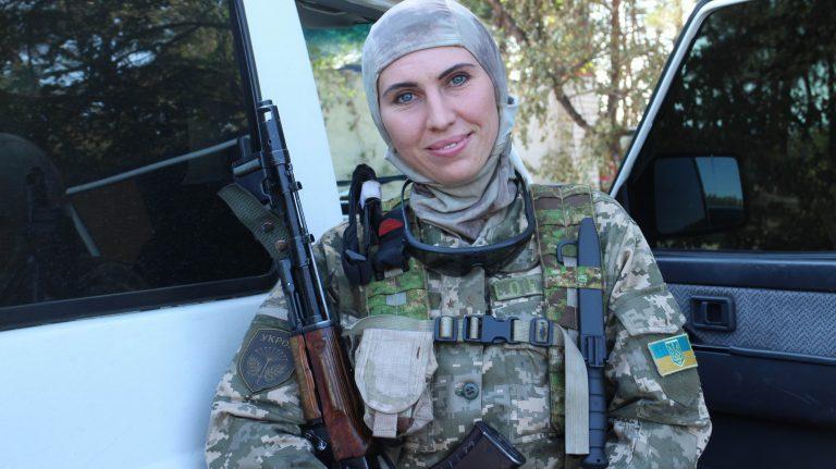 Откровения Амины Окуевой: на войне стрельба по защитникам Донбасса все равно что в тире по мишени