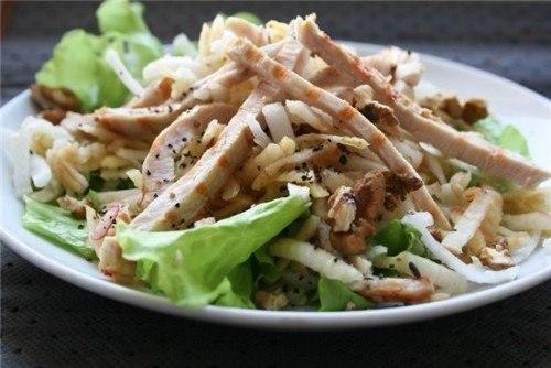 Заряд белком: 6 салатов с куриной грудкой на любой вкус.