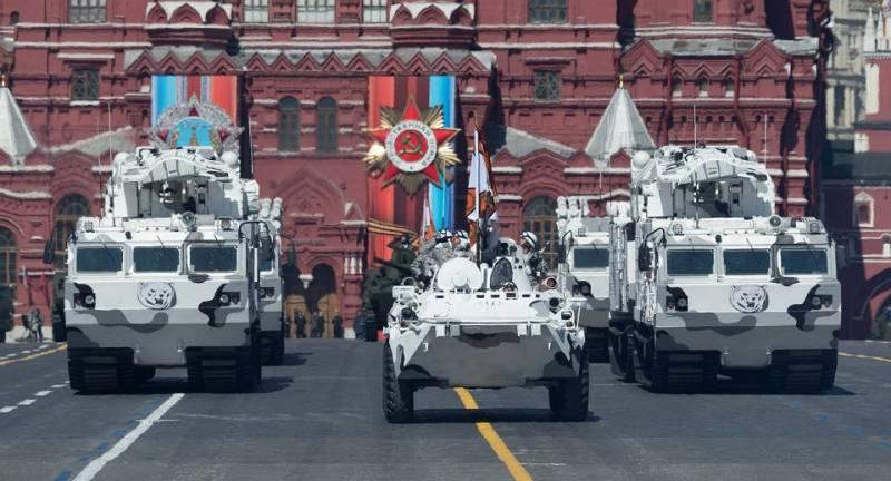 «Караул! Русские завоевали Арктику!» Немного о том, как военный парад «срывает крышу» у натовских генералов