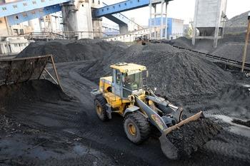 Два завода Ахметова остановили производство из-за блокады Донбасса