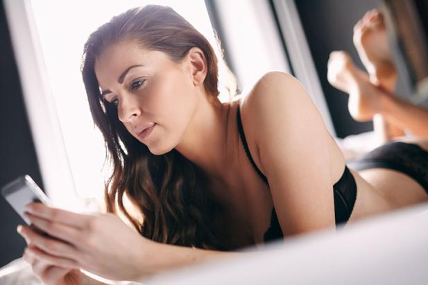 Смартфон и шея: Как сохранить и то, и другое