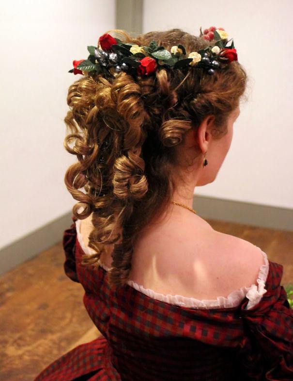 11. Кудри и венок волосы, праздник, прическа, рождество