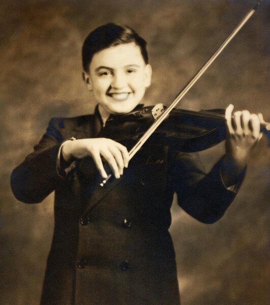 Как гопники с мальчишкой — скрипачем подружились. В школе его больше никто не трогал.