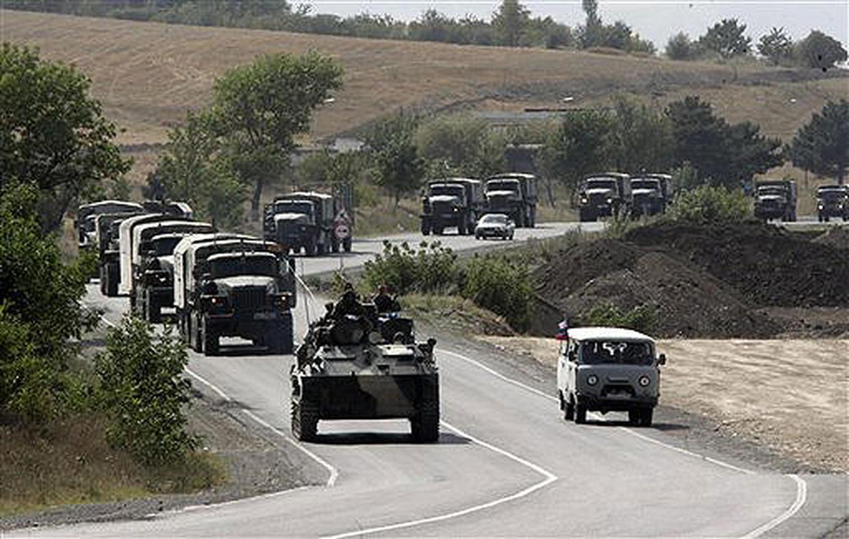 Минобороны отрабатывает превращение страны в единый военный лагерь
