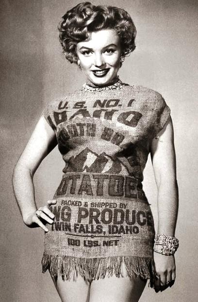 Красоту ничем не испортишь — Мэрлин Монро и в мешке из-под картошки красотка!