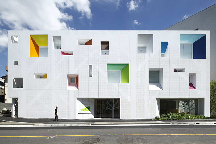 Филиал банка Sugamo Shinkin Bank в Токио