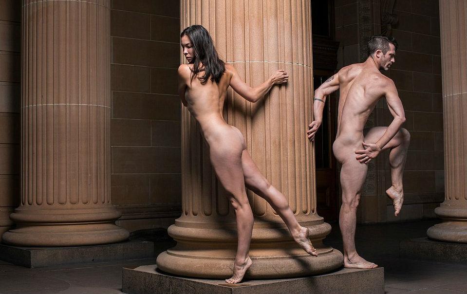 Первое в мире танцевальное шоу для полностью обнаженных зрителей состоялось в Сиднее