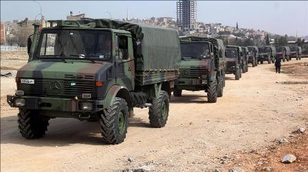 СМИ: Турция вводит военную технику насевер Сирии