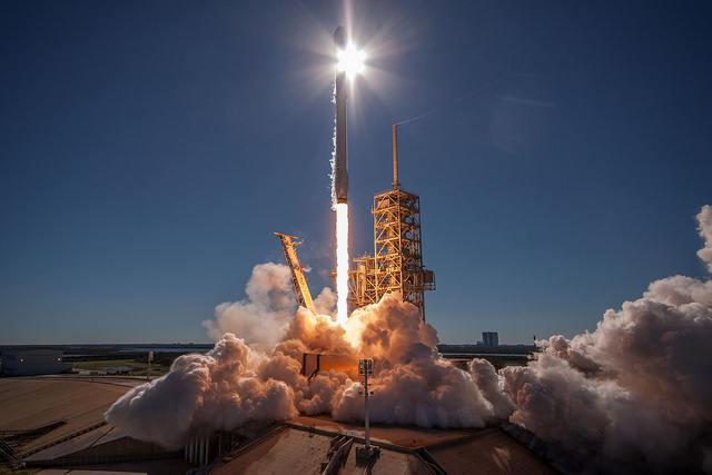 44-й пуск американской ракеты-носителя Falcon 9