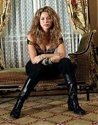 Шакира (Shakira) в фотосессии Роба Грига (Rob Greig) и Джастина Вестовера (Justin Westover) (2005).