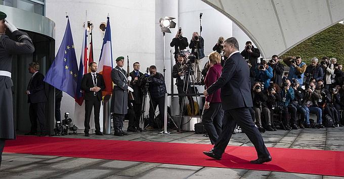 Порошенко на переговорах в Берлине получил тяжелый удар по самолюбию